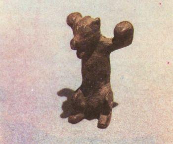 Скульптурная фигурка медведя. Первое тыс. до н. э. </p><p> Бронза, литье. Высота 6 см. СОАССР.</p><p> The figure of a bear First miliennium В. С. </p><p> Bronze, casting. 6 cm. North Ossetia</p><p>