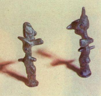Фаллические фигурки человека. Первое </p><p> тысячелетие до н. э. Бронза, </p><p> литье. 9,3x8,3 см.</p><p> Phallic human figures First </p><p> millenium В. С. Bronze, casting. </p><p> 9,3 and 8,3 cm. high.</p><p>