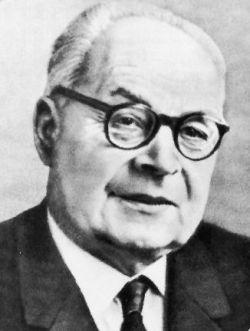 Жорж Дюмезиль