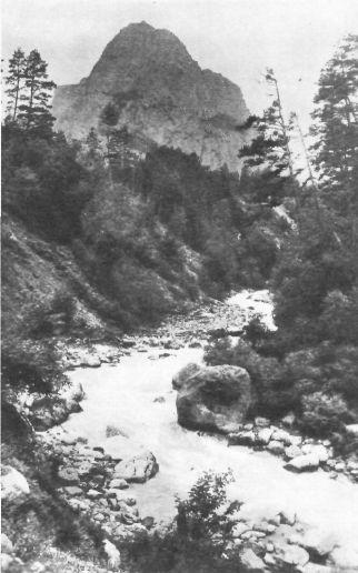 Река Цейдон и гора «Монах»